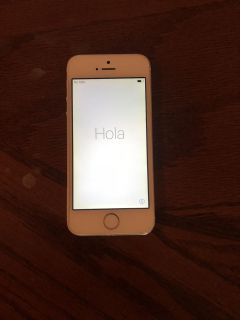 White AT&T iPhone 5s.
