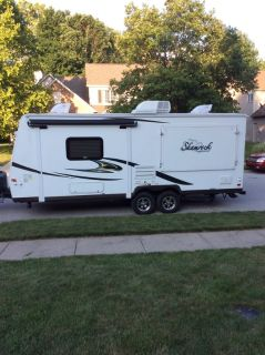 2015 Forest River Shamrock  233S