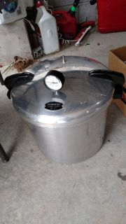 Stainless steel 21 quart Pressure canner.