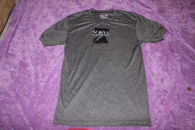 """Outfitter Trading Company """"Vail Colorado"""" Size Small Gray Polyester Shirt"""