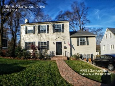 Charming Home Close to Downtown Clarksville
