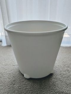 IKEA PS Fej self-watering plant pot / planter, white, gently used