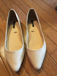Forever 21 Flats New Cream Suede 8.5