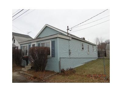 2 Bed 1 Bath Foreclosure Property in Albany, NY 12205 - Exchange St