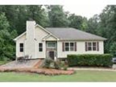 Well-Maintained Home 2+ Acres