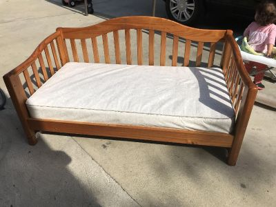Wooden crib. Toddler bed