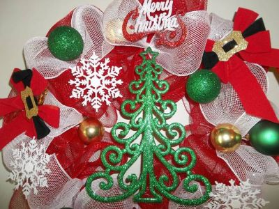 DECO MESH WREATH WIMSICAL CHRISTMAS