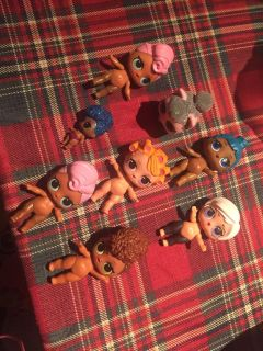 Lol dolls. $10 each Not accesories. I can also trade for the dolls i need.