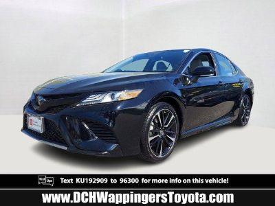 2019 Toyota Camry (Midnight Black Metallic)