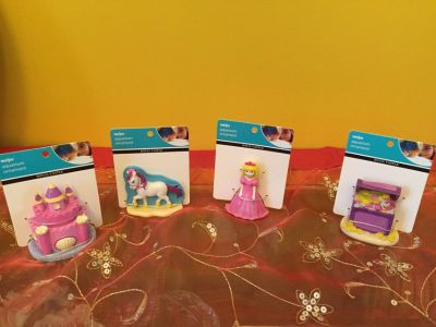 Gift pack of princess aquarium ornaments / figures for display ... Brand New