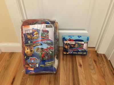 Paw Patrol Full Size Bedding Set. Includes Comforter, Fitted Sheet, Flat Sheet & 3 Pillowcases. Excellent Condition.