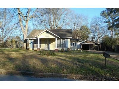 3 Bed 2 Bath Foreclosure Property in Tupelo, MS 38801 - S Highland Dr