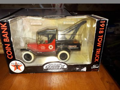 Antique collectable coin box- 1918 ford tow truck