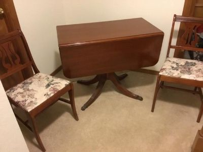 Brandt Mahogany Drop Leaf Table w/chairs