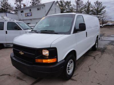 2014 Chevrolet Express 2500 2500 (Summit White)