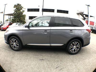 2018 Mitsubishi Outlander SE (gray)