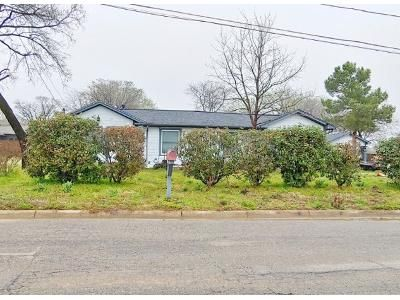 3 Bed 1 Bath Preforeclosure Property in North Richland Hills, TX 76182 - Sayers Ln