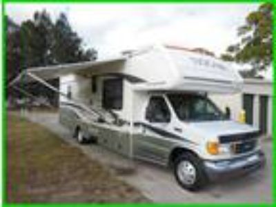 2006 Fleetwood Tioga SL 30FT Class C RV 6.8 liter Triton V10 engine