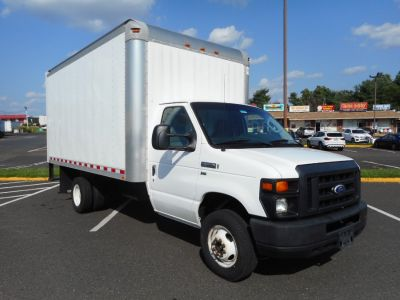 "2015 Ford Econoline Commercial Cutaway E-350 Super Duty 158"" DRW (Oxford White)"