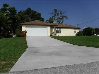 1720 NW 14th PL Cape Coral, Beautiful Three BR Two BA 2 car