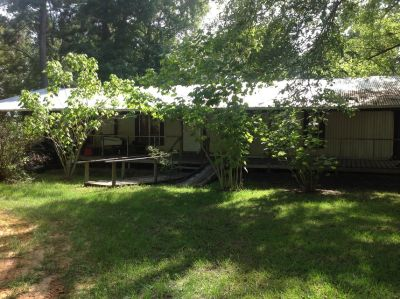 2b 2 b mobile home for rent with large front porch on Lake Vernon