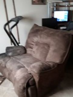 couch for sale 25 buck obo
