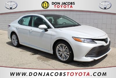 2019 Toyota Camry (Pearl)