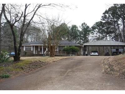3 Bed 1.5 Bath Foreclosure Property in Warrior, AL 35180 - Nail Rd