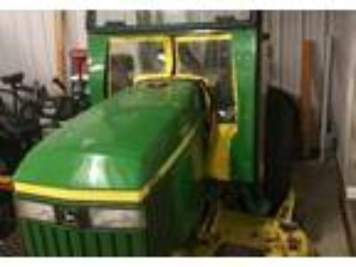 2005 John Deere 790-Utility-Tractor Equipment in Valencia, PA