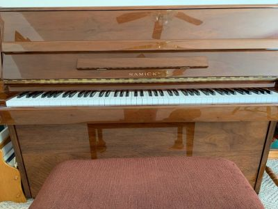 Used Samick SM-2 Upright Piano
