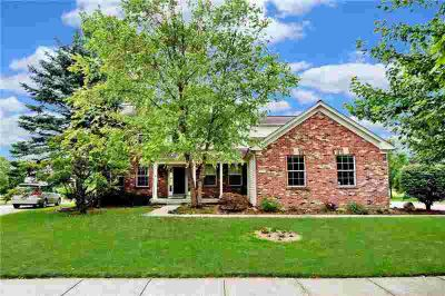 7739 Prairie View Lane Indianapolis, Updated and Move In