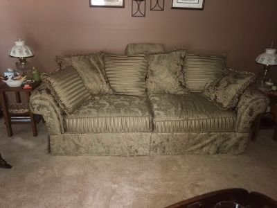 Excellent condition - couch and pillows
