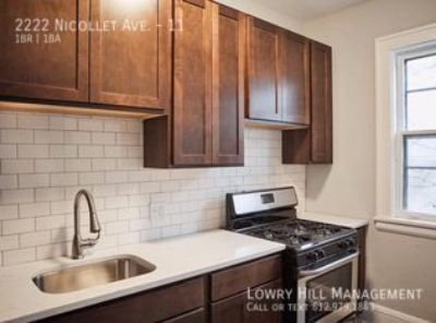 One Bedroom Plus Den Next to Eat Street! One Month Free!