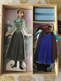 Frozen Magnetic Dress Up Doll