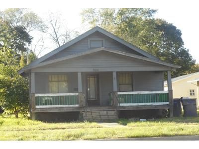 3 Bed 1.0 Bath Preforeclosure Property in Janesville, WI 53545 - S Randall Ave