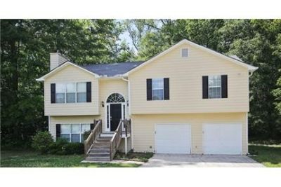 Great 5 Bedroom 3 Bath home in a great location of the community. Washer/Dryer Hookups!