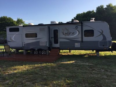 2015 Highland Ridge RV Light 308BHS