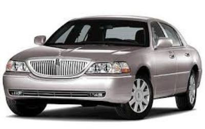 2007 Lincoln Town Car Signature Limited (Gold)