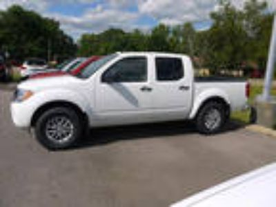 2017 Nissan frontier White, new