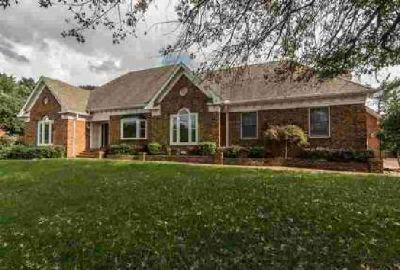 105 Hedgelawn Dr Hendersonville Four BR, This home has so much