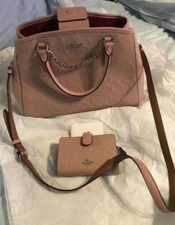 New with tags Coach bag and wallet set (receipt)