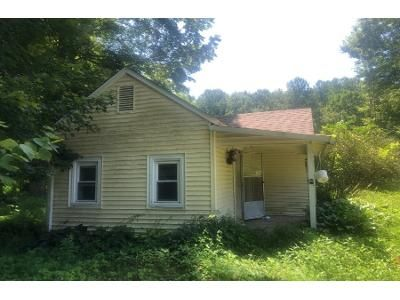 1 Bed 1 Bath Foreclosure Property in Nashville, IN 47448 - State Road 135 S