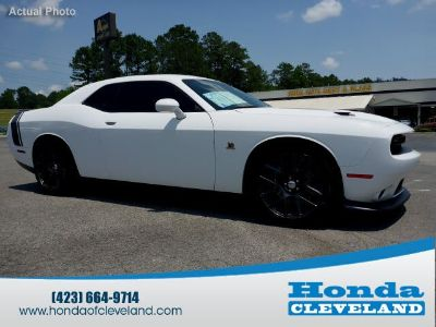2016 Dodge Challenger R/T Scat Pack (Bright White Clear Coat)
