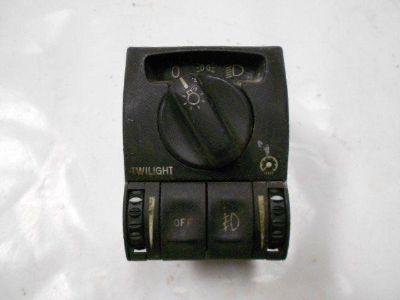 Sell HEADLIGHT SWITCH CADILLAC CATERA 2000 head light motorcycle in Harmony, Pennsylvania, US, for US $30.00
