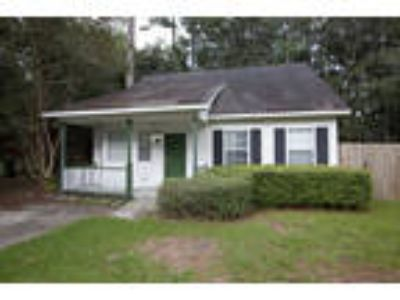 Three BR Two BA house in midtown close to UNCW & Wrightsville