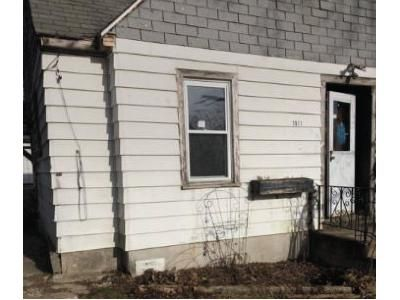 3 Bed 1 Bath Foreclosure Property in Round Lake, IL 60073 - Pine Grove Ave