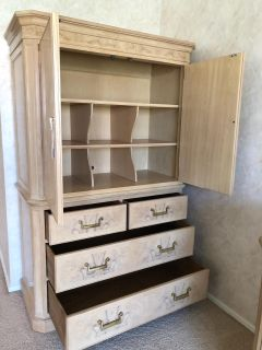 Drexel Chest of Drawers
