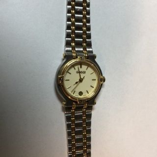 Gucci Womens Two-Tone Stainless & Gold Vintage Watch