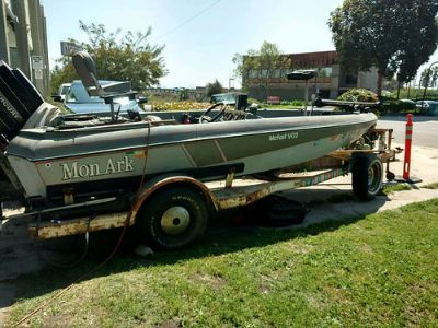 "1985 MONARK MCFAST 17.5"", BASS FISHING/SKI BOAT, ..."