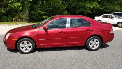 2006 Ford Fusion I4 SE (Red)